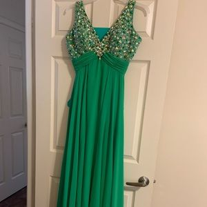 Dresses & Skirts - Another beautiful gown I don't need anymore!